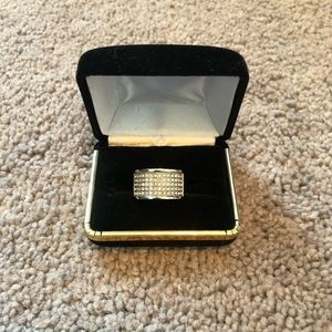 NWOT Sterling silver with cz diamonds size 10